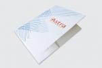 Папка с джоб и място за визитка, опаковъчен картон с бял гръб, пълноцветен едностранен печат и ламинат мат.