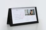 Настолен календар пирамидка, основа черен картон със селективен лак